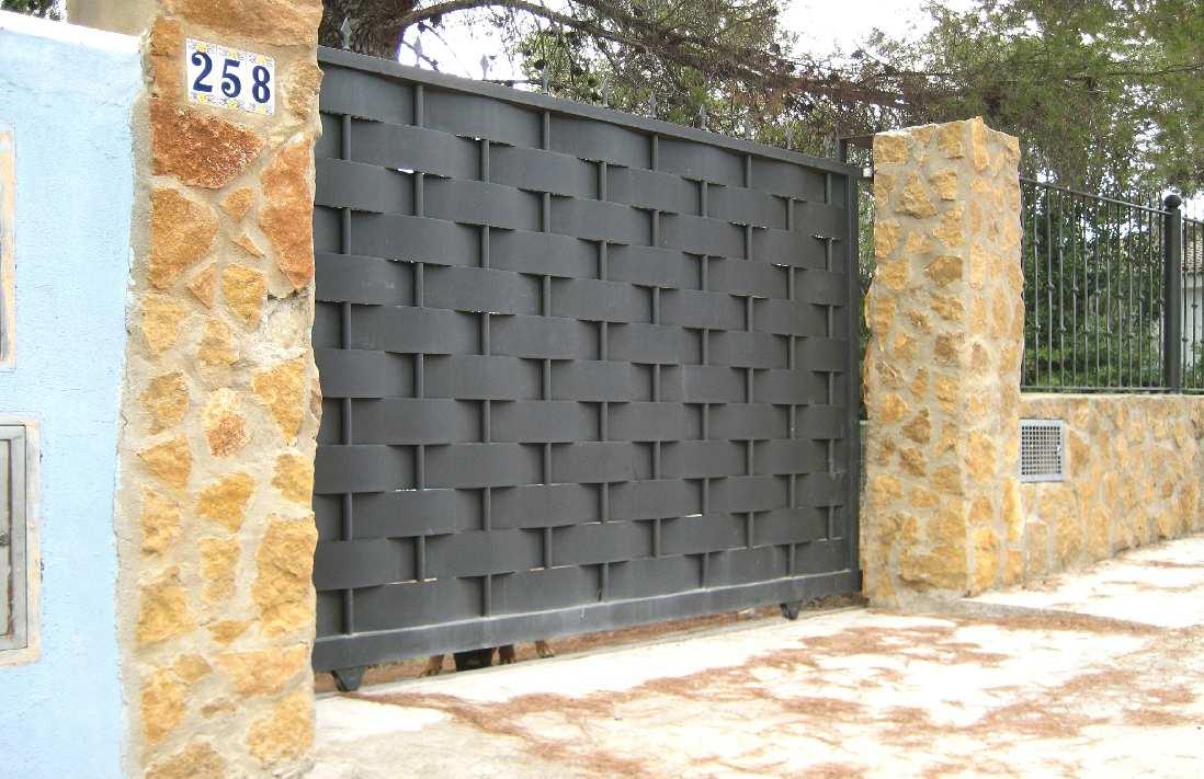 Puertas correderas cercados metalicos valencia - Puertas de chalet ...